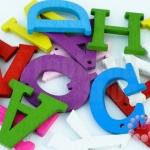 ตัวอักษรไม้ คละสี (10ชิ้น)