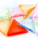 ลูกปัดพลาสติก สีใส สามเหลี่ยม คละสี 21X24มิล(1ขีด)