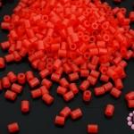 เม็ดบีทรีดร้อน สีแดง 2.5มิล (1ขีด/8,870ชิ้น)