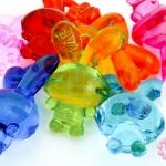 จี้พลาสติก สีใส กระต่าย คละสี 19X29มิล(1ขีด)