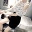 เสื้อแฟชั่นเกาหลี เย็บแต่งโบว์ เว้าไหล่ เนื้อผ้าชีฟองทิ้งตัว สีขาว thumbnail 2