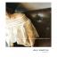เสื้อแฟชั่นเกาหลี แต่งคอเสื้อทรงปาด โชว์ไหล่ เก๋ ๆ สีขาว ตัวเสื้อทรงปล่อย thumbnail 6