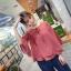 เสื้อแฟชั่นเกาหลี แต่งแขนแบบระบายใหญ่ ตัวเสื้อทรงปล่อย สีแดงอิฐ เนื้อผ้าสปันทิ้งตัว thumbnail 3