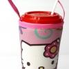 แก้วเก็บความเย็น สะดวกสบายด้วยหูหิ้ว ลาย Hello Kitty เต้นรำ บนพื้นชมพู เก็บความเย็นได้กว่า 5 ชั่วโมง