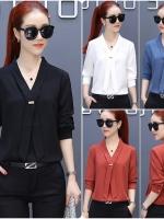 เสื้อสไตล์เกาหลี แต่งดีเทลคอหน้าเก๋ๆ เนื้อผ้าดีสวมใส่สบาย งานนำเข้าแบรนด์แท้ของเมืองนอกคุณภาพดี